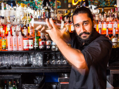 Tony makes drinks Island 15 HR (3)